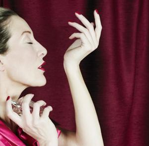 Женские духи: как подобрать свой аромат