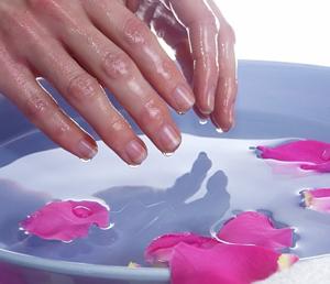 Правильный уход за стареющей кожей рук