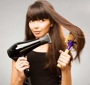 Как быстро уложить волосы феном